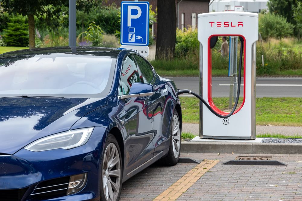 A battery that lasts a million-mile - Tesla's new ...